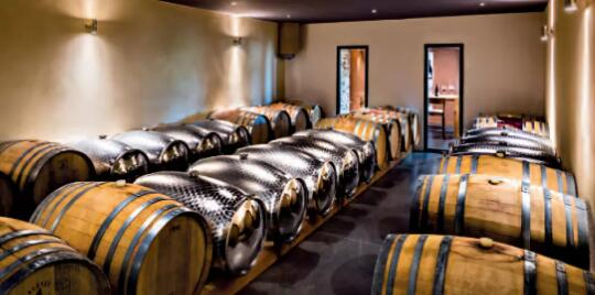 20190121002743 98223 - Stainless steel barrels make wines richer and more mellow